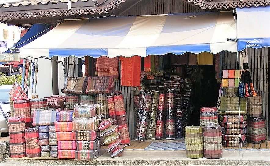 Government agency issues guidelines to help Thailand's souvenir suppliers   The Thaiger