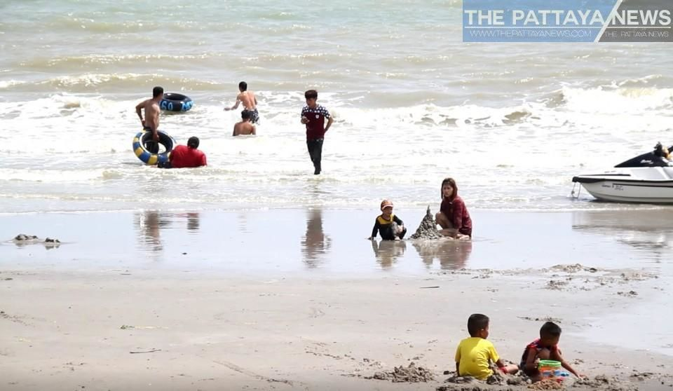 Pattaya's beaches have re-opened but no beach chairs yet | News by The Thaiger