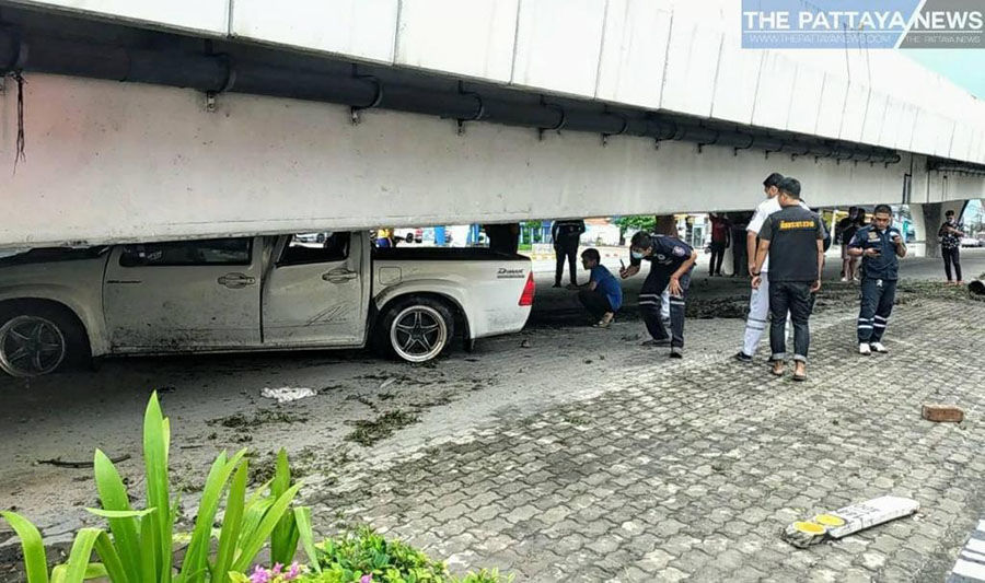Pattaya driver blames wet weather after losing control and jamming truck under overpass – VIDEO | The Thaiger