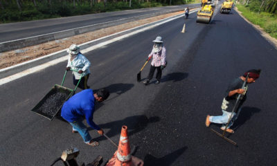 Rubber roads will help Thai growers, increase safety | The Thaiger