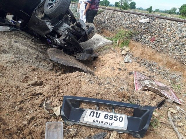 Village head dies in train accident in central Thailand | The Thaiger