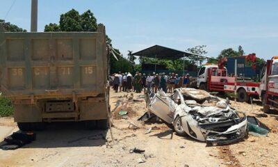 Thanh Hóa: Ô tô bị xe tải đè bẹp dúm khiến 3 người chết | The Thaiger