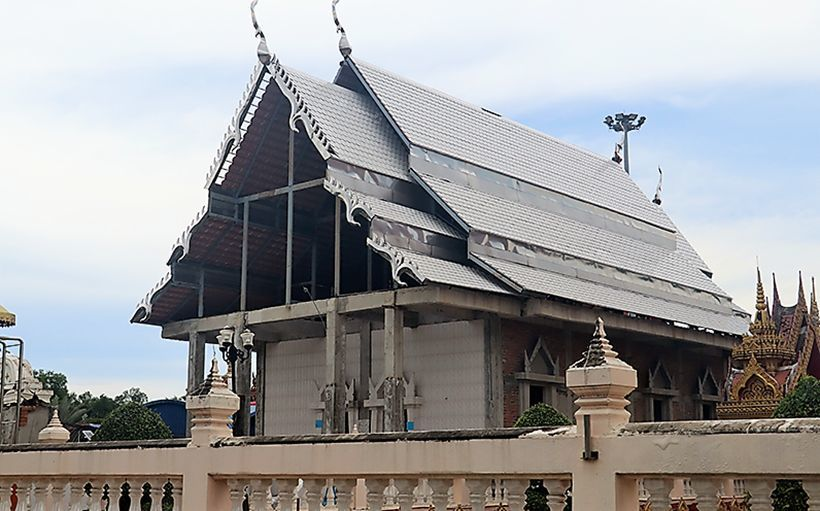 Abbot hits back after criticism of 'cheap' temple makeover | The Thaiger