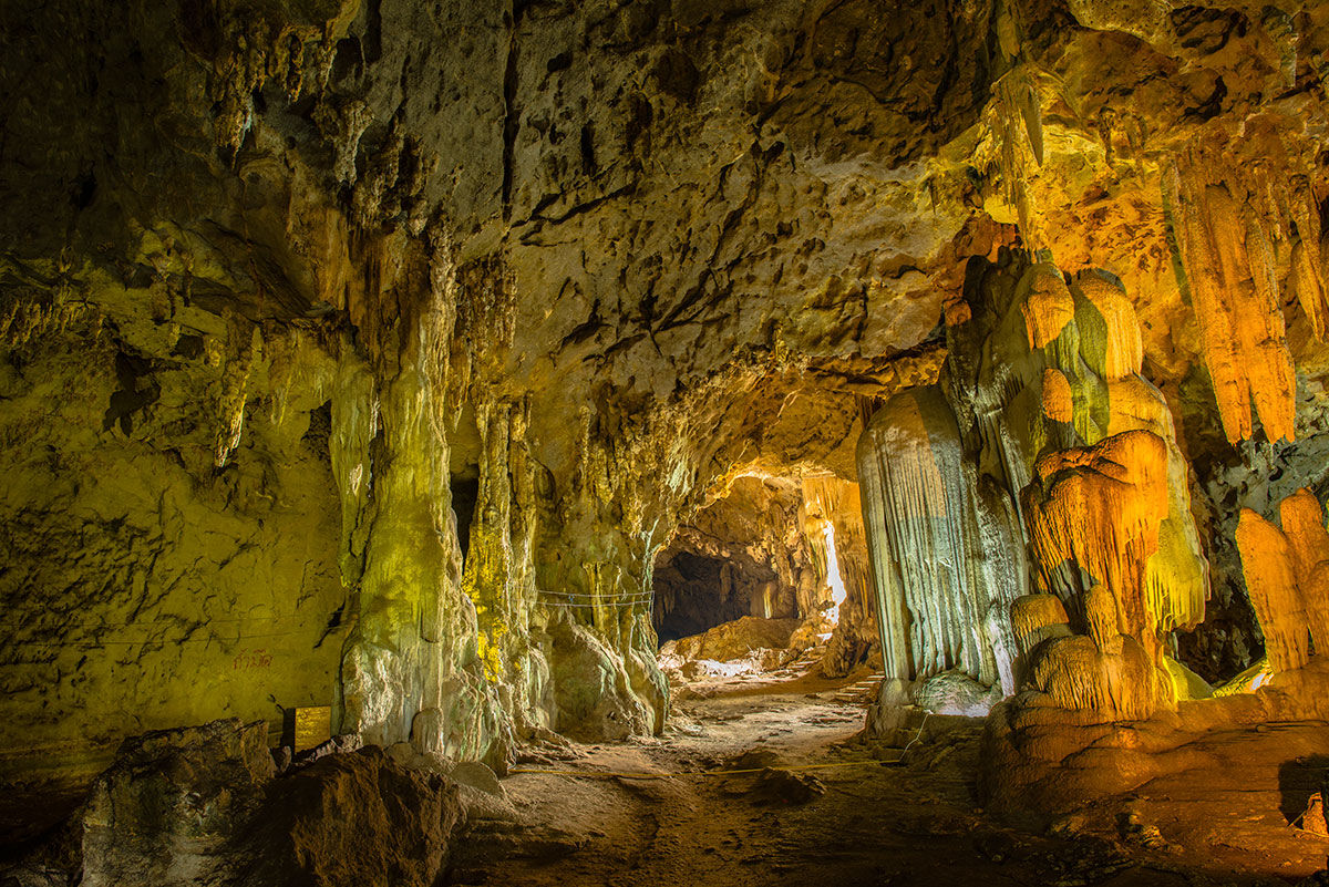 Graffiti in historic Trang cave means public access restricted | News by Thaiger