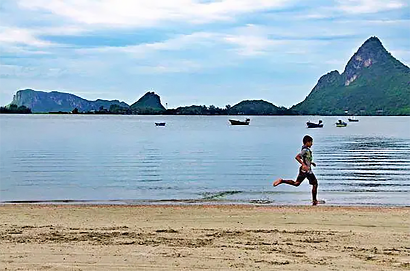 Prachuap Khiri Khan's scenic Ao Manao beach reopens today | The Thaiger