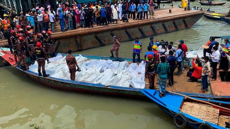 Bangladeshi ferry incident leaves 23 dead, dozens missing | The Thaiger
