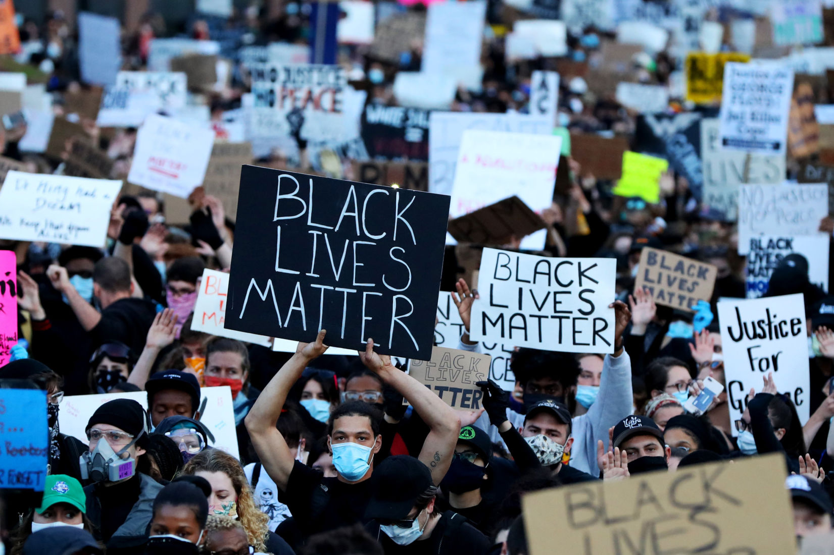 UPDATE: George Floyd protests spread across the US – curfews imposed   The Thaiger