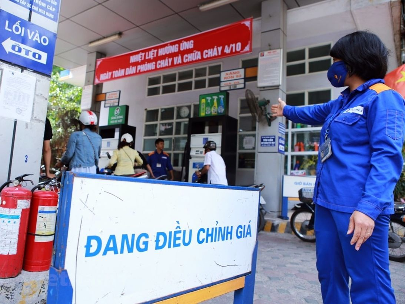 Liệu giá xăng có tiếp tục tăng mạnh vào chiều nay? | The Thaiger