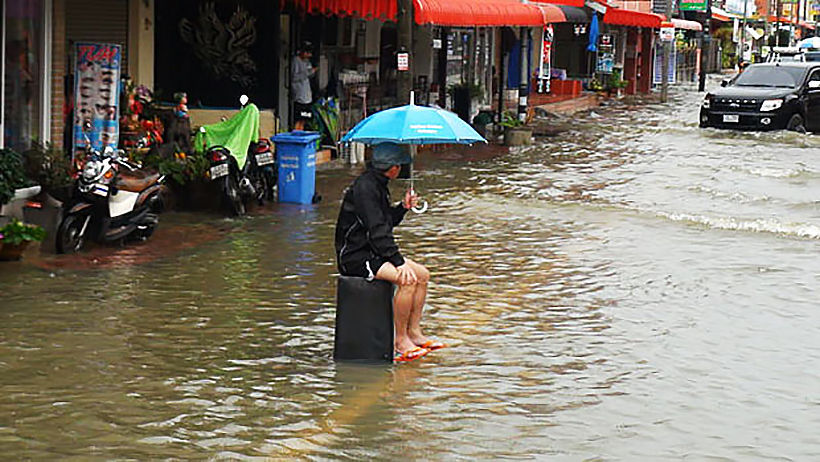Bangkok residents not satisfied with floodwater management-Nida Poll | Thaiger