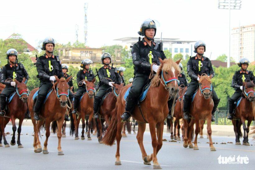 Đoàn cảnh sát cơ động kỵ binh lần đầu tiên ra mắt tại Việt Nam | The Thaiger