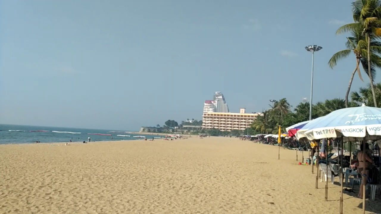 Pattaya's beaches have re-opened but no beach chairs yet | The Thaiger