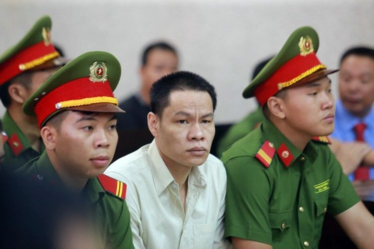 Vụ nữ sinh giao gà bị sát hại: Bùi Thị Kim Thu tóc bạc trắng hầu tòa phiên phúc thẩm | News by Thaiger