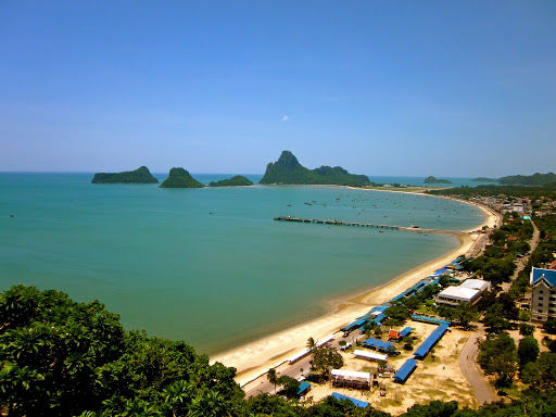 Prachuap Khiri Khan's scenic Ao Manao beach reopens today | News by The Thaiger