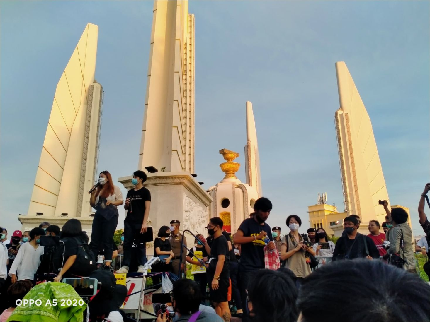 Huge anti-government protest at Bangkok's Democracy Monument | News by Thaiger