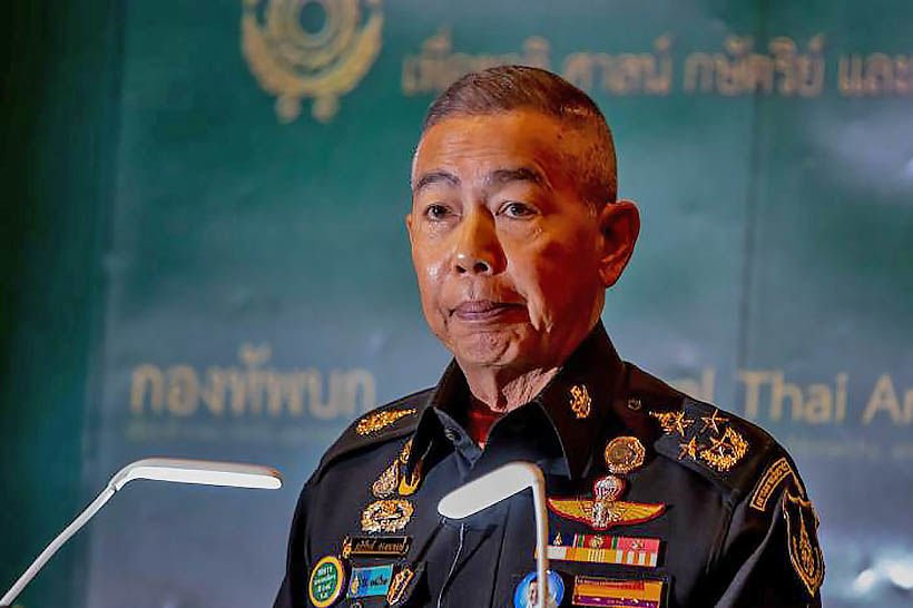 Protesters mustn't insult monarchy: army chief | Thaiger