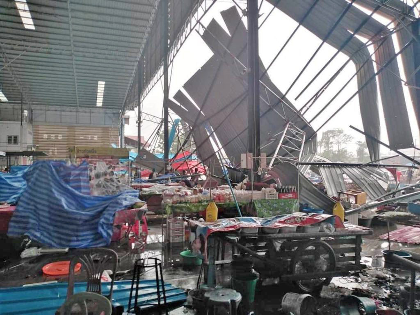 1 dead, 14 injured in Nakhon Phathom market collapse | News by Thaiger
