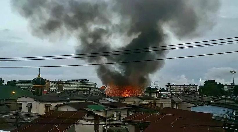 Bangkok slum fire injures 3, damages 5 homes | News by Thaiger