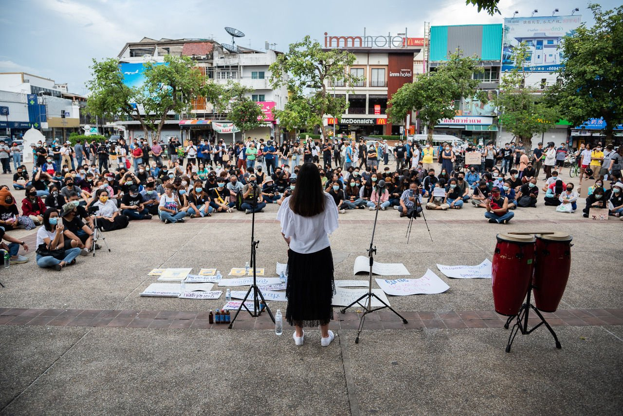 Student flash mob in Chiang Mai as anti-government protests keep popping up