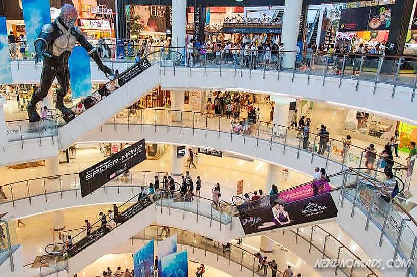 Bangkok's shopping malls struggle under tourist ban, fierce competition | Thaiger
