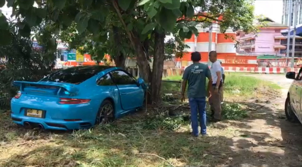 Nonthaburi teen, 3 friends injured as Porsche smashes into tree   News by Thaiger