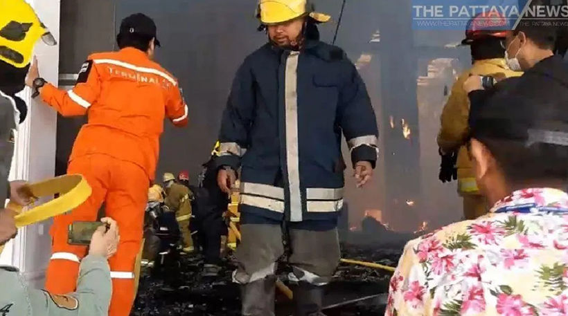 Major Pattaya tourist attraction Sukhawadee House gutted by fire | News by The Thaiger