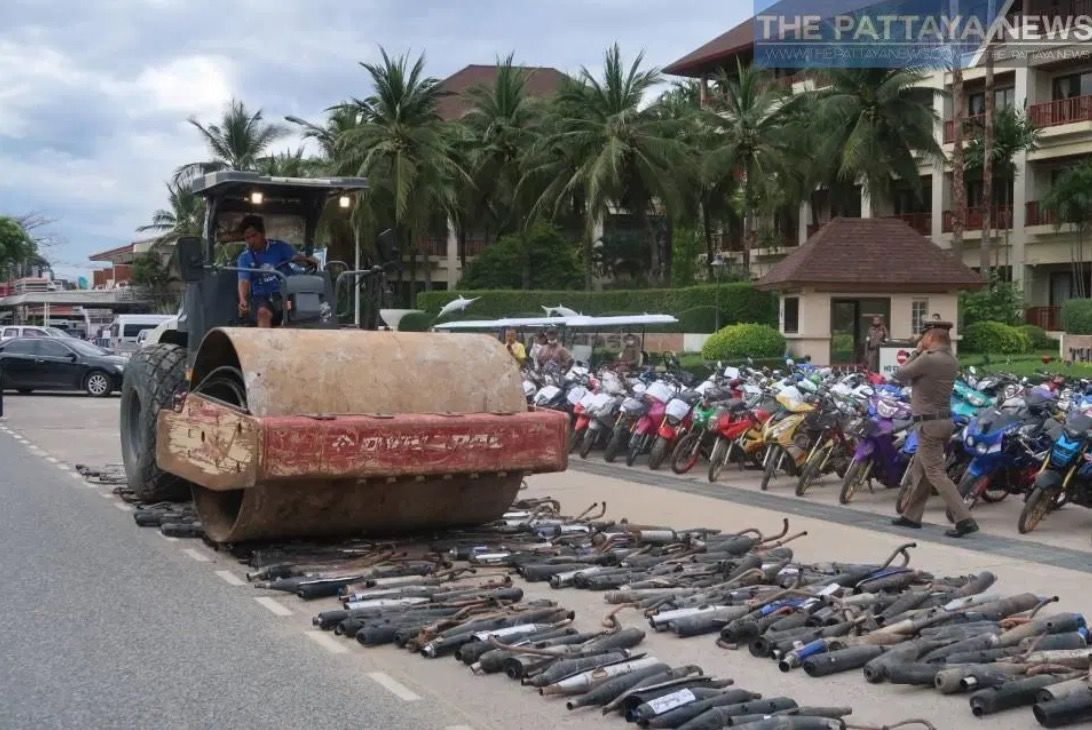 Chon Buri police hire a steam roller to destroy over 700 illegal motorbike exhausts | News by Thaiger