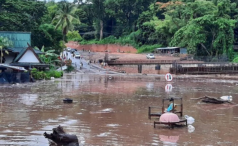 Chiang Mai-Chiang Rai highway closed by flooding again - VIDEO | News by Thaiger