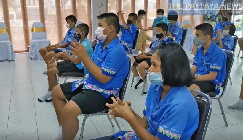 Pattaya students get toilet training | Thaiger