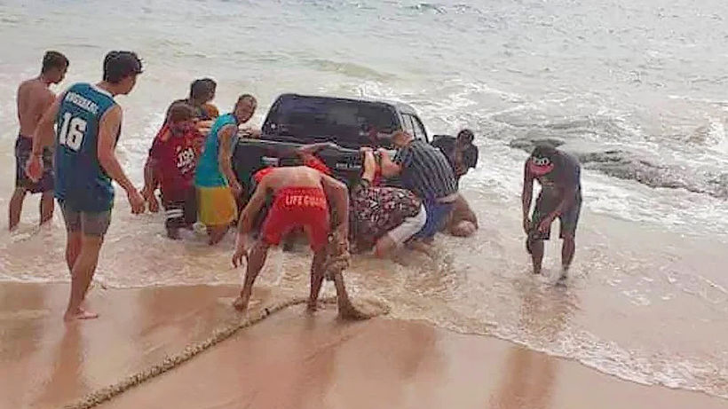 Truck goes for a swim at Phuket beach - VIDEO | News by Thaiger