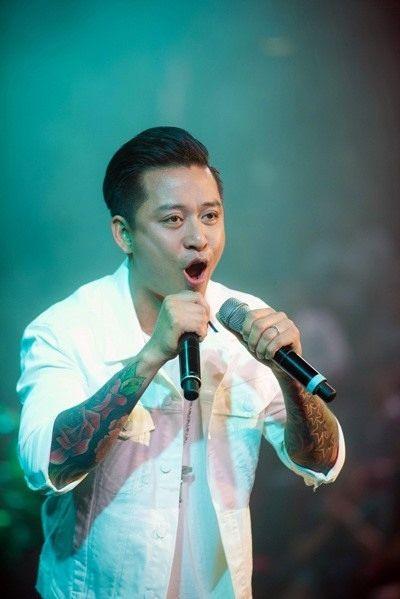 Ca sĩ Tuấn Hưng tuyên bố tạm giải nghệ | News by Thaiger