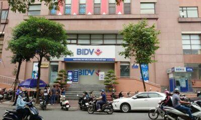 Hà Nội: Hai nghi phạm nổ súng, ném lựu đạn cướp 900 triệu tại ngân hàng BIDV | Thaiger