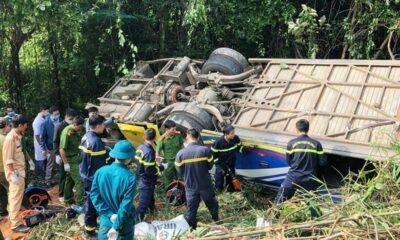 Vụ xe khách rơi xuống vực khiến 6 người chết tại Kon Tum: Khởi tố tài xế gây tai nạn | The Thaiger