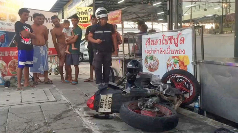 Burmese man, motorcyclist injured in Samut Prakan crash - VIDEO | News by Thaiger