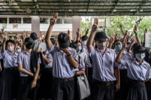 """Phuket student protests and is flunked as """"not loyal to the nation"""" 