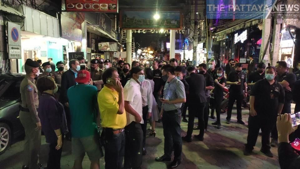 Decision to allow traffic on Pattaya's Walking Street comes under fire on social media | Thaiger