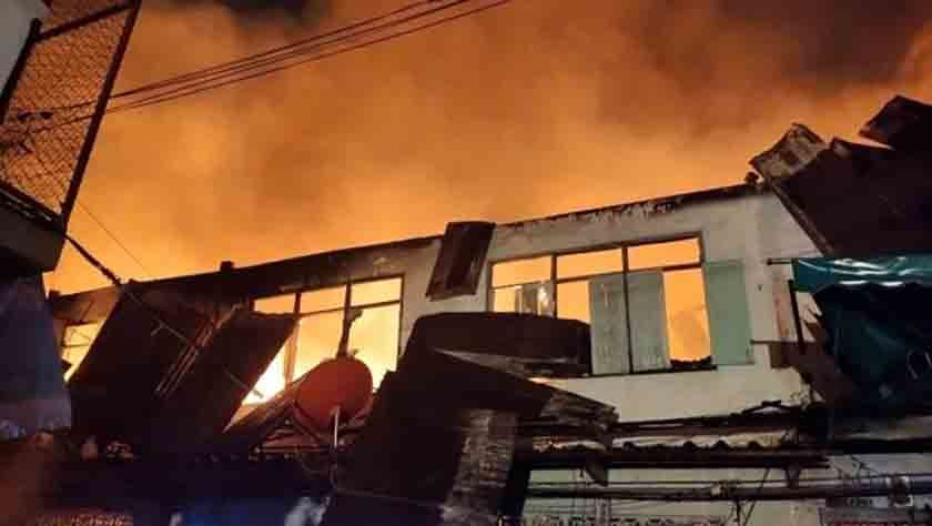 At least 76 homes evacuated in Bangkok blaze | News by Thaiger