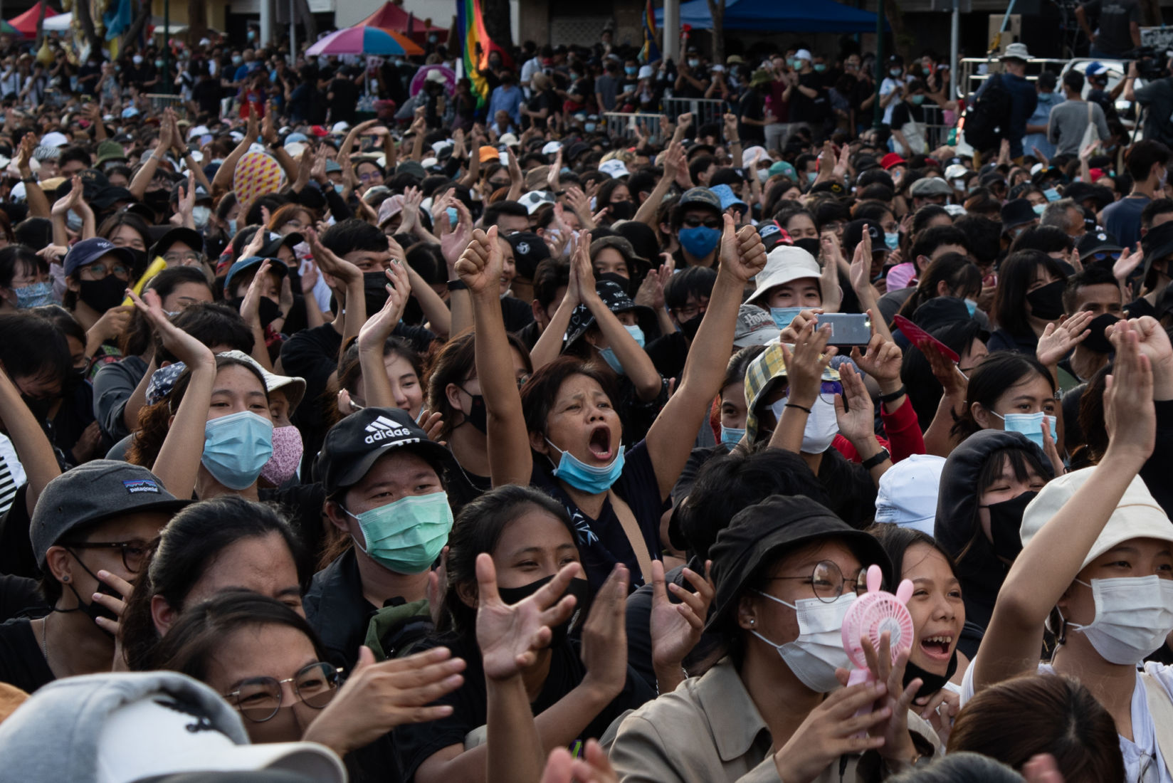 Up to 10,000 gather in massive Bangkok pro-democracy rally | News by Thaiger