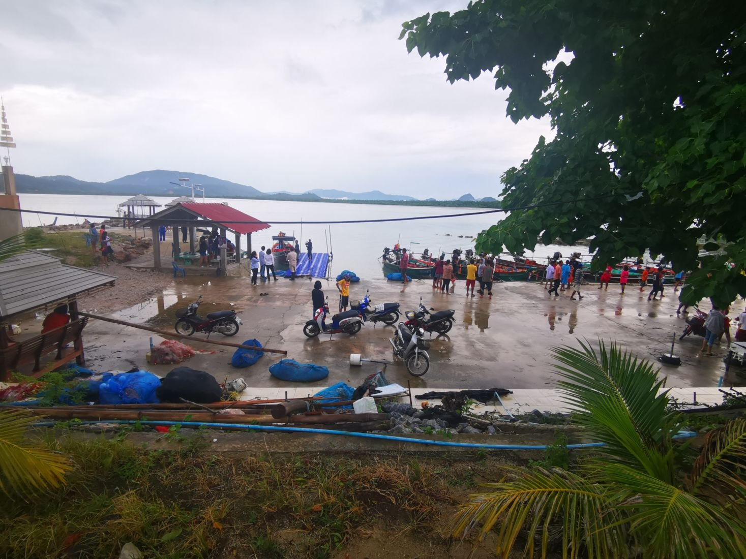 1 drowned, another missing in storm off Nakhon Si Thammarat | Thaiger