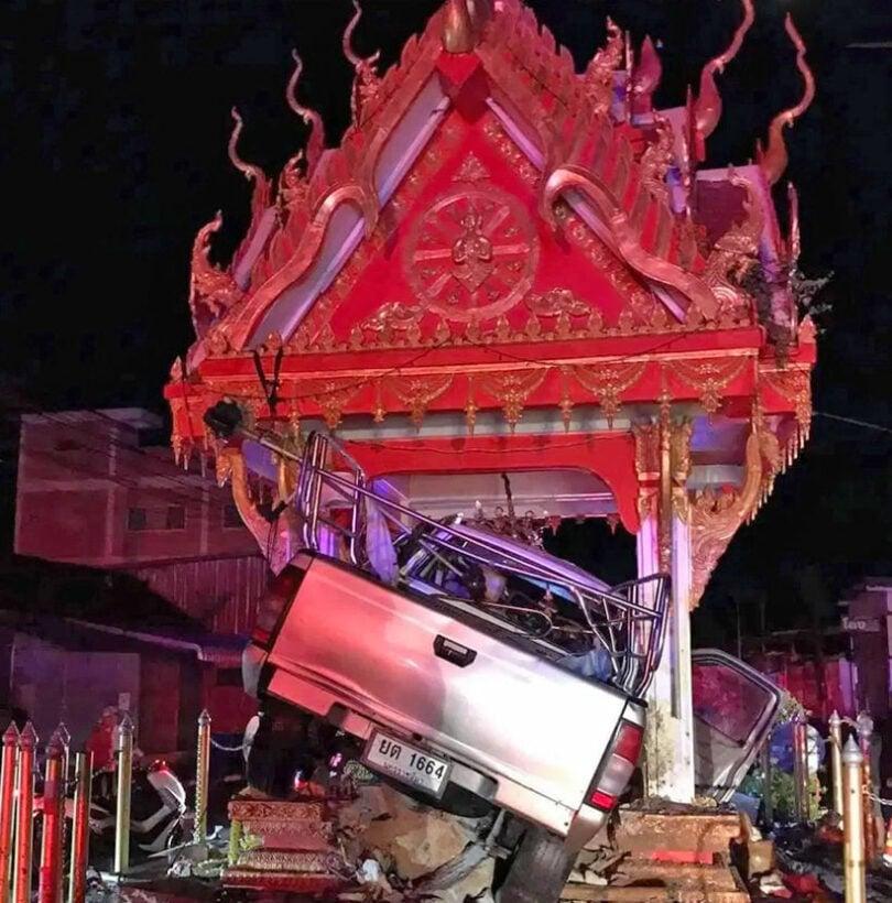 Korat driver injured after smashing into Buddhist shrine | News by Thaiger