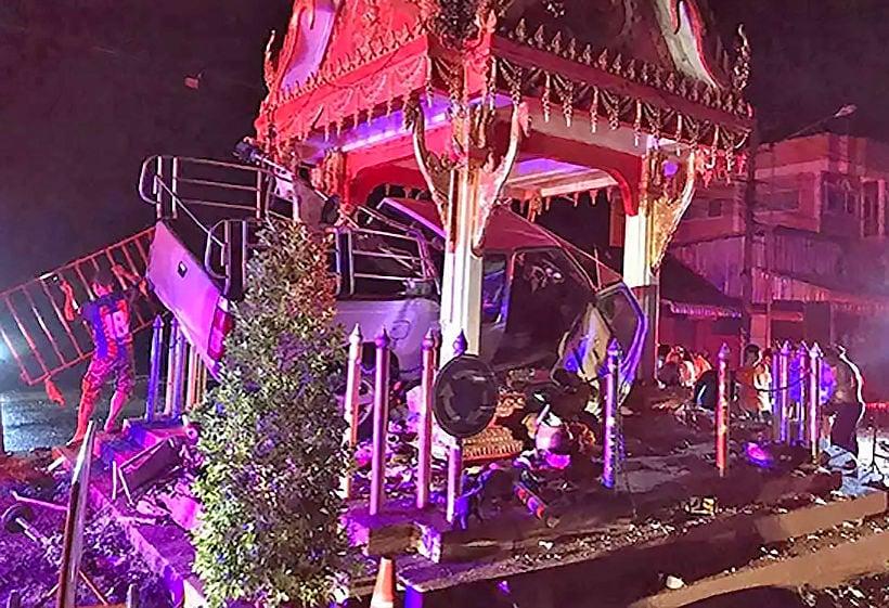 Korat driver injured after smashing into Buddhist shrine   Thaiger