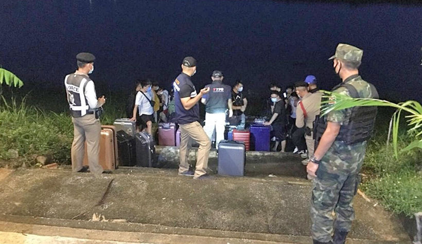 Immigration announce the arrest of 18 Chinese illegal migrants in Chiang Rai | News by Thaiger
