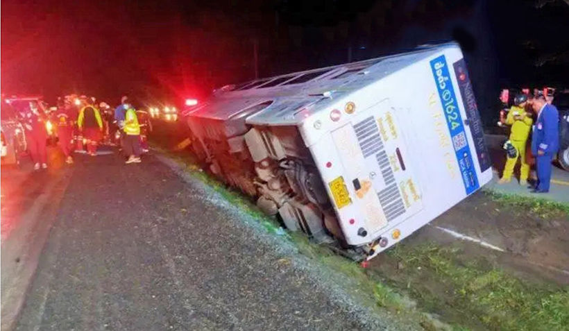 1 injured as Udon Thani bus slips of wet road | News by Thaiger