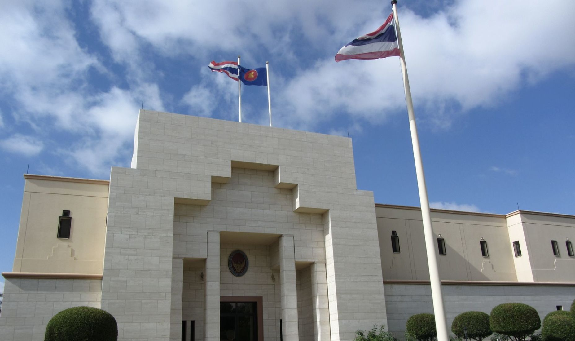 Repatriation flights suspended after Thai staff contract Covid-19 at foreign embassies | Thaiger