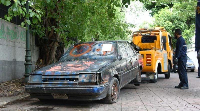 Find an abandoned car in Bangkok, get half the fine | Thaiger