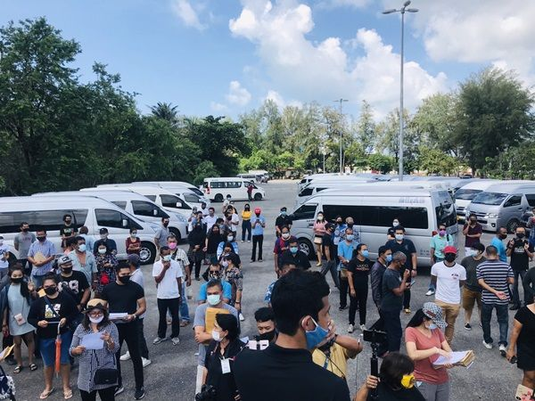 Phuket drivers, tour operators ask Toyota for loan grace period | Thaiger