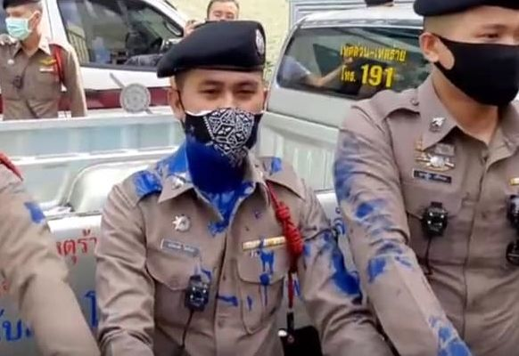 Protesters push through barricades at Bangkok police station   Thaiger
