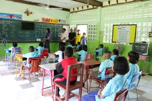 Thai education inequality grows, more students need financial aid | Thaiger