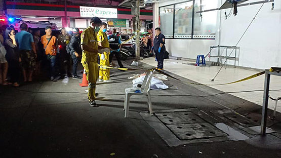 Bangkok man allegedly kills 1, injures another in fight outside liquor store | Thaiger