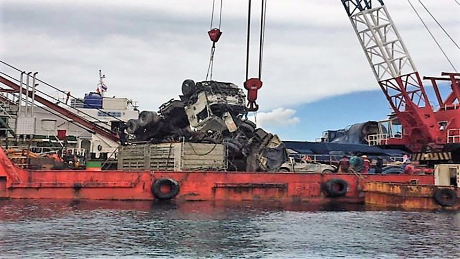 Raja salvage operation resumes, garbage truck, pick-up raised from seabed