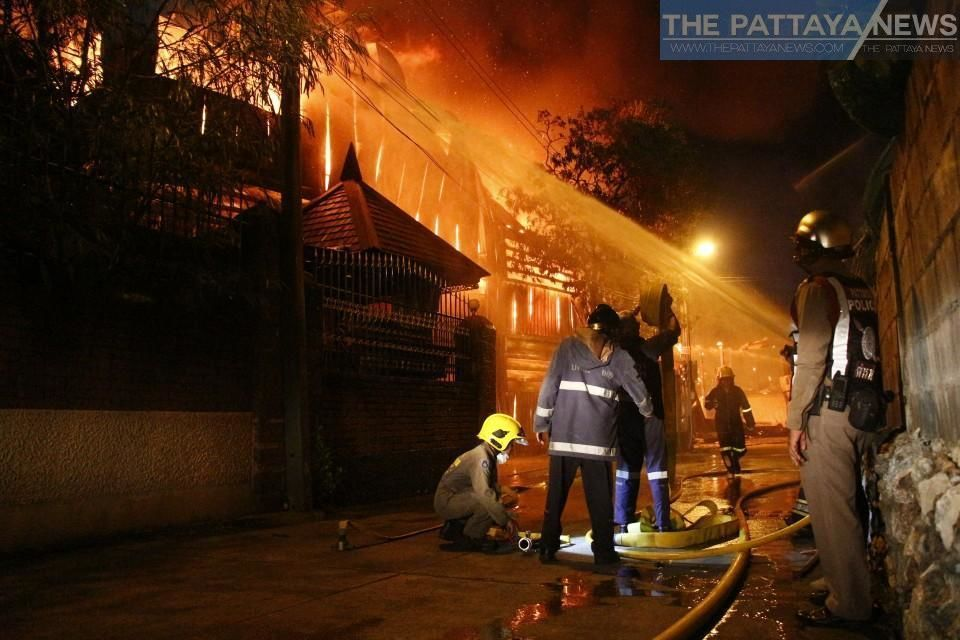 Major fire destroys luxury property and furniture warehouse in Pattaya – VIDEO | Thaiger